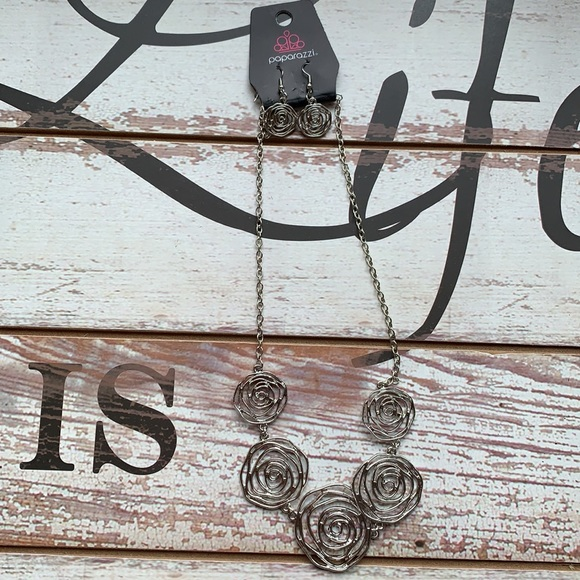 Paparazzi Rose Necklace and Earrings